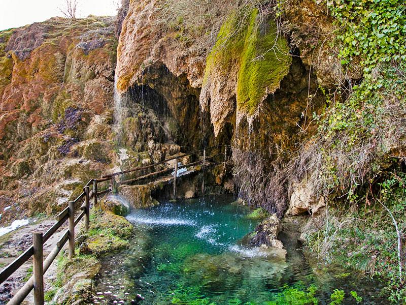 27 - I mulini dell'Aneva e le grotte di Labante